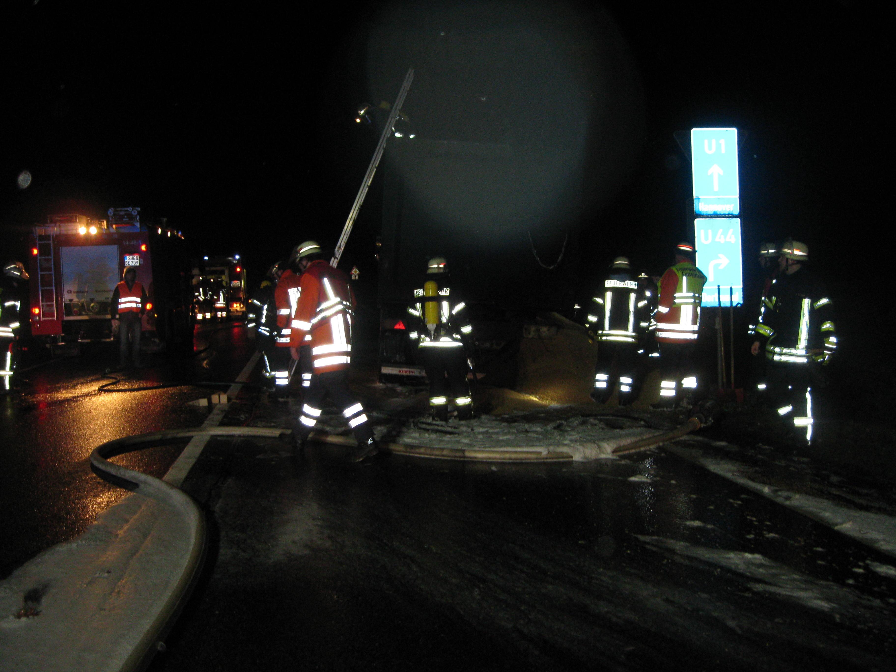 Lkw-Brand auf der Auffahrt der BAB 2 Bad Eilsen