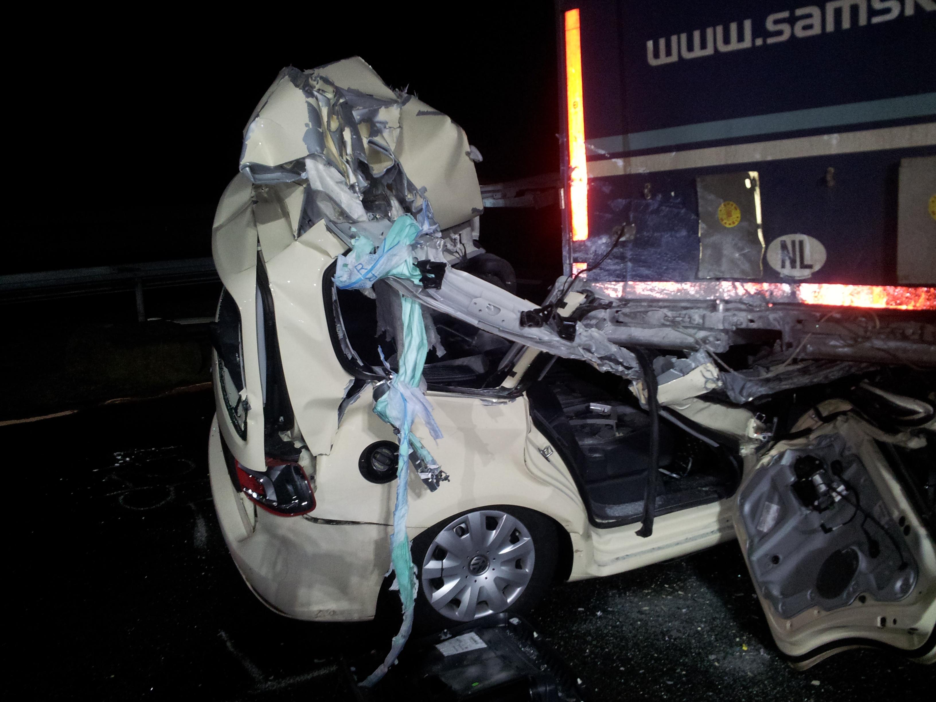 Schwerer Verkehrsunfall auf der BAB2
