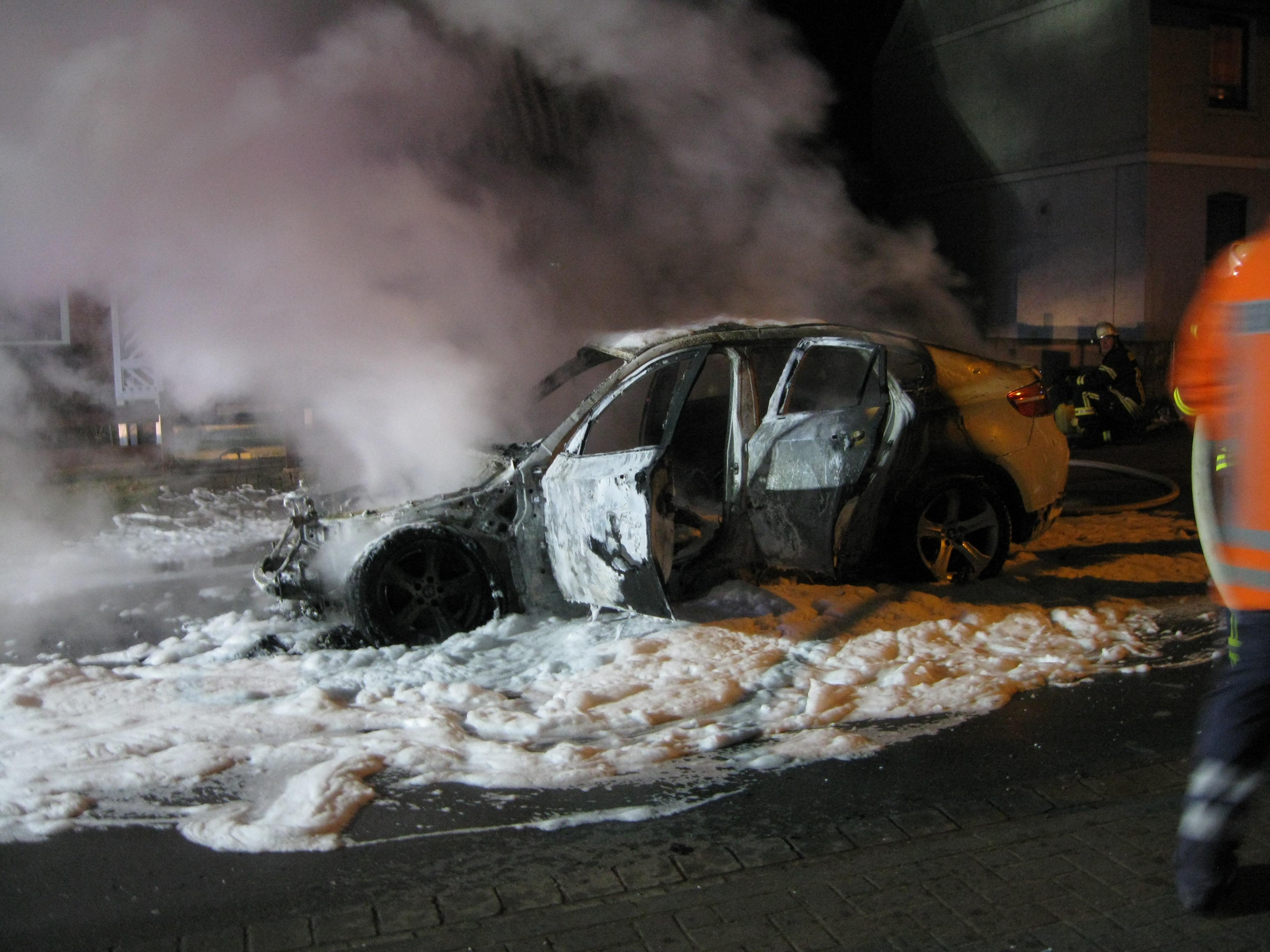 Pkw brennt in Buchholz