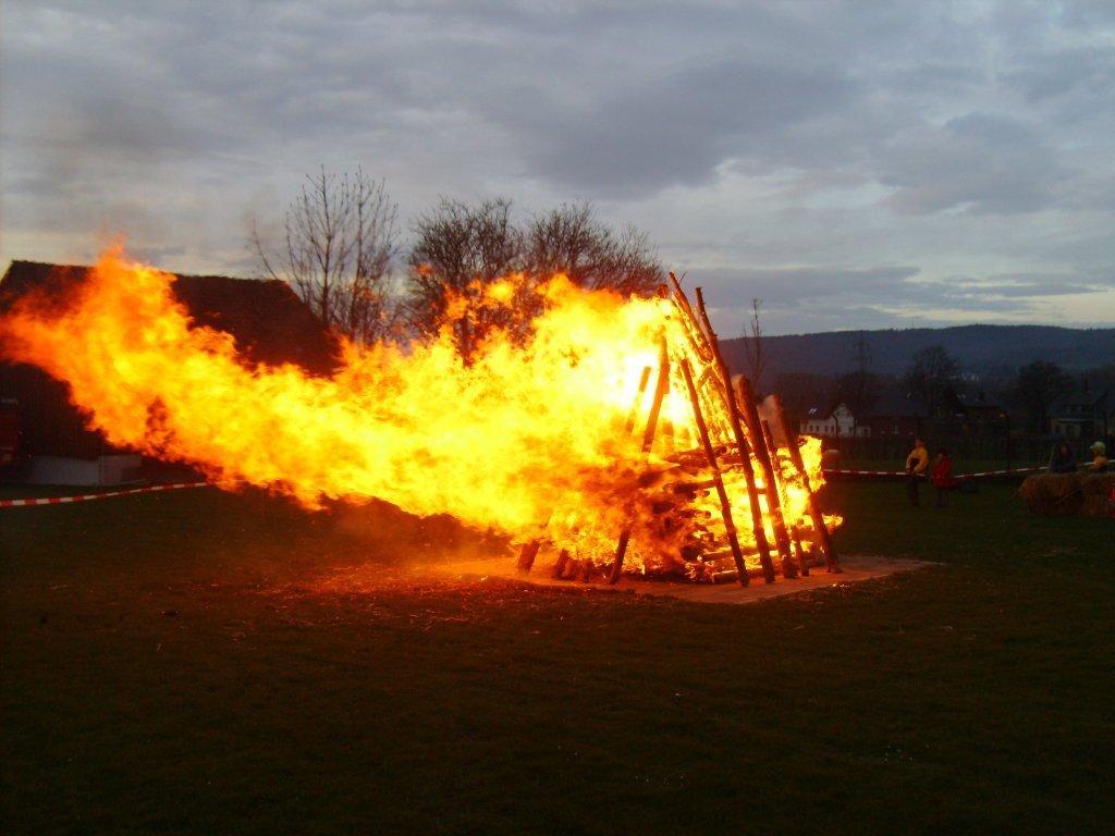 Brennender Heckenschnitt