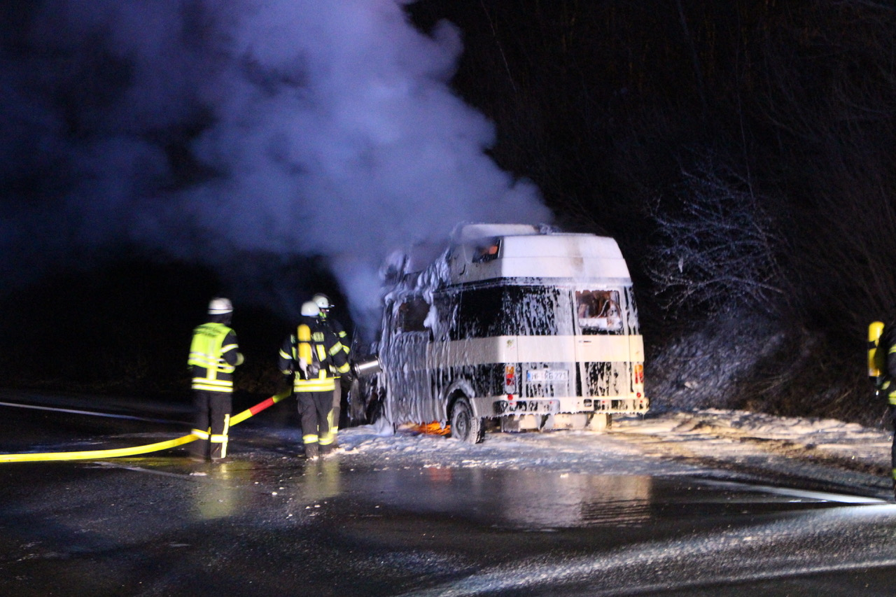 Brennedes Wohnmobil BAB2