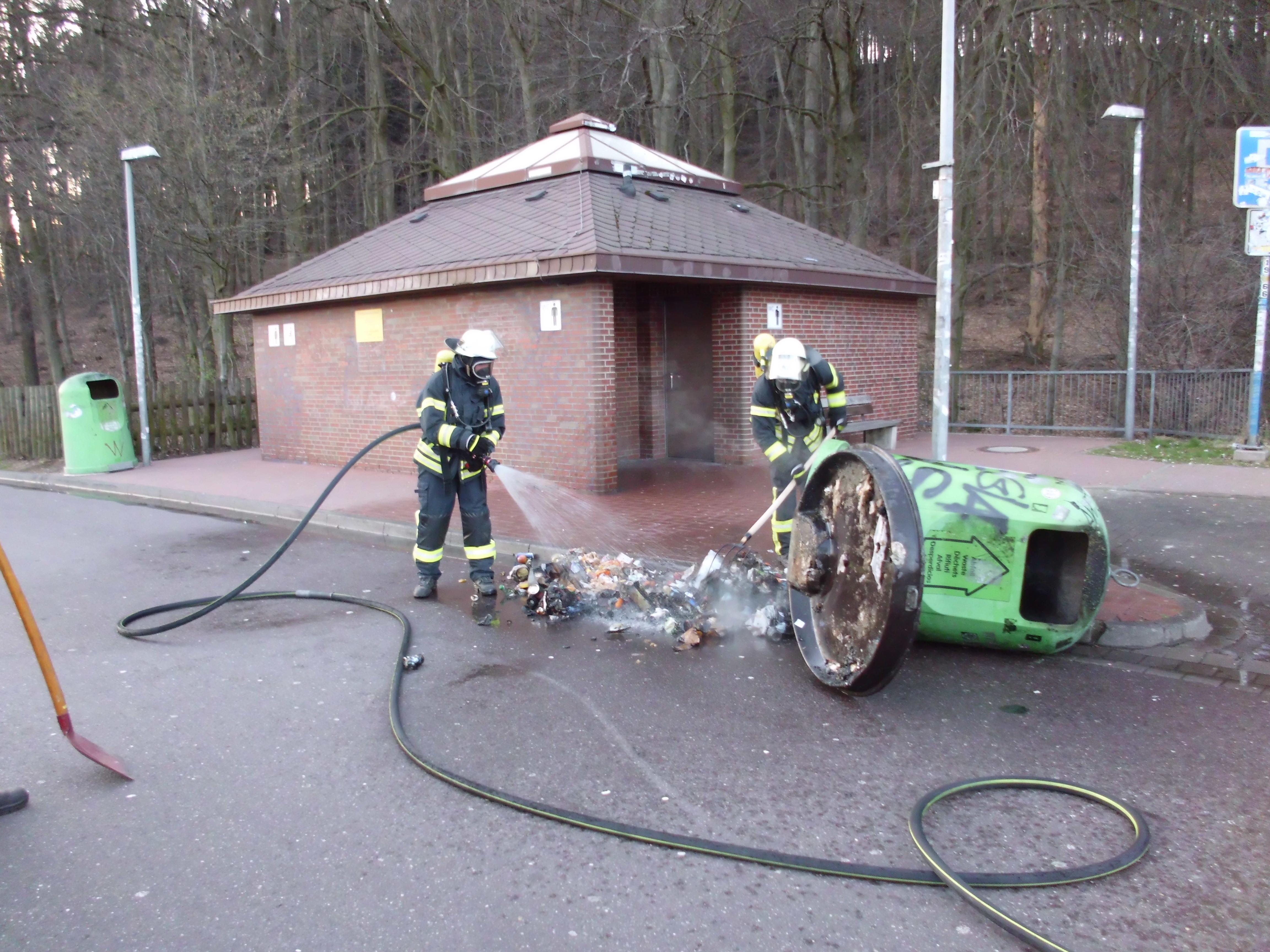 Brennede Mülltonne BAB2 Parkplatz Papenbrink